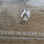 Verfassungsgerichtshof für das Land Nordrhein-Westfalen (Schild)